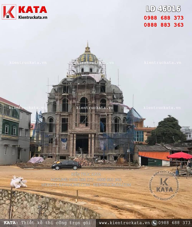 Hoàn thiện phần thô của mẫu biệt thự lâu đài 3 tầng kiến trúc Pháp tại Hà Nội